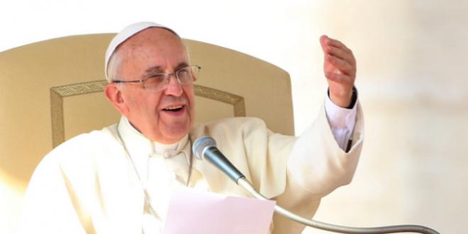 البابا: الكرامة الإنسانية يجب أن تحفظ من الولادة حتى الممات