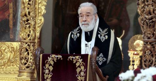عودة يترأس قداس الميلاد في كاتدرائية القديس جاورجيوس