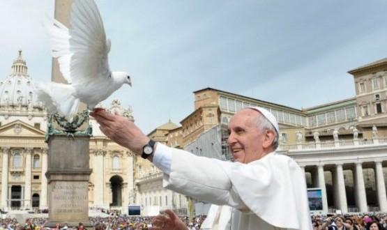 في مقابلته العامة البابا فرنسيس يتحدث عن الرحمة في الثلاثيّة الفصحيّة