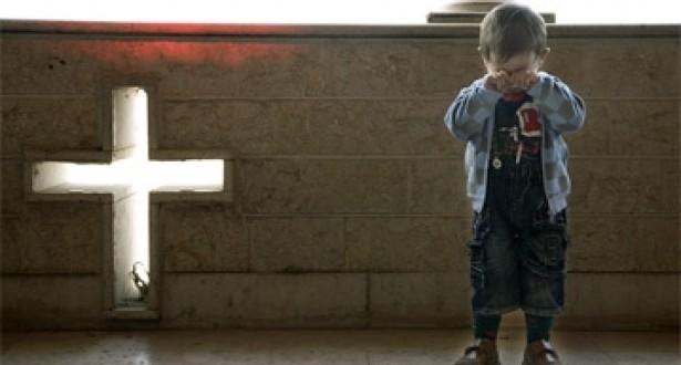 أنتم مسيحيون؟ إما الارتداد عن إيمانكم وإما الرحيل! مأساة 8 عائلات مسيحية في لاوس
