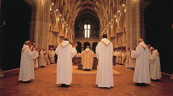 قداس رأس السنة في كاتدرائية مار يوحنا في زغرتا