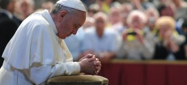 البابا يحتفل بالقداس في كابلة القديسة مارتا ويدعو الكهنة للابتعاد عن انشغالات هذا العالم والأمور الدنوية