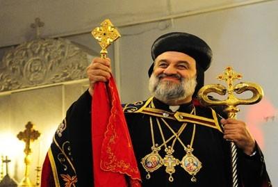 افرام الثاني تفقد الآشوريين الوافدين الى القامشلي