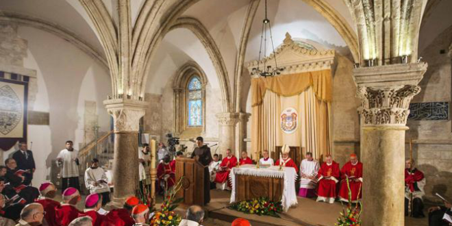 البابا يترأس القداس مع رؤساء الكنائس الكاثوليكية في الأرض المقدسة