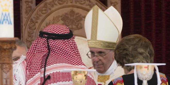 عظة البابا فرنسيس في القداس الإلهي في ستاد عمان الدولي