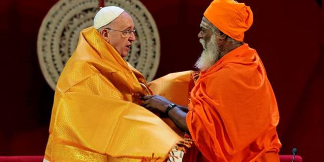 البابا يطلب من الأديان في سريلانكا ألا تستسلم للعنف