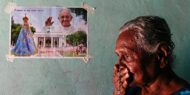 البابا في آسيا حيث سيلتقي كنيستين مختلفتي الأوجه