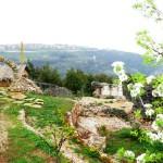 درب البطريرك الراعي المرحلة الاولى من طريق المشاة على كتف الوادي المقدس