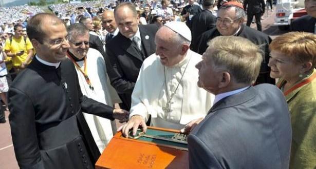 البابا حمل إلى ساراييفو دعوة للسلام: قرار وشيك في شأن ظهورات ميديغوريه