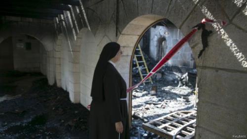 """حريق """"متعمد"""" في كنيسة موضع إحدى """"معجزات المسيح"""""""