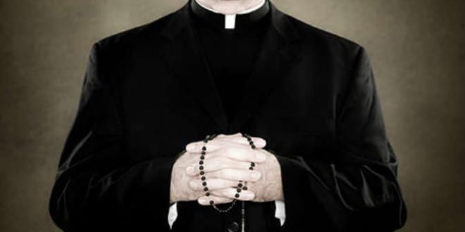 """تحيّة إلى """"جيش الكهنة الصامت الذي لم يخن لا الإيمان ولا الثقة"""""""