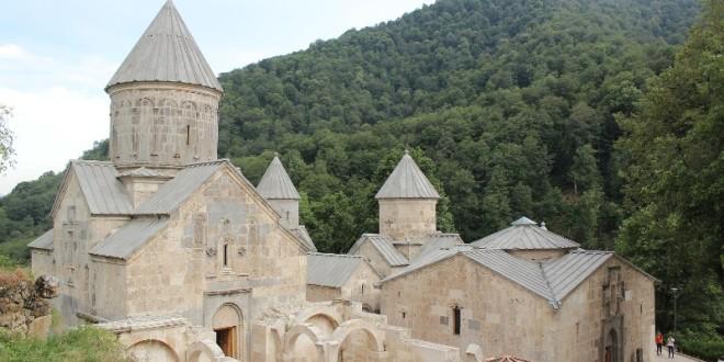 وادي الزهور وطريق الحرير يزينان ارمينيا ورحلتان اسبوعيتان الى يريفان بحثا عن الجذور والتاريخ