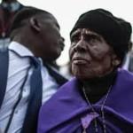 الوالدة تشارك بتطويب ابنها الشهيد في جنوب افريقيا