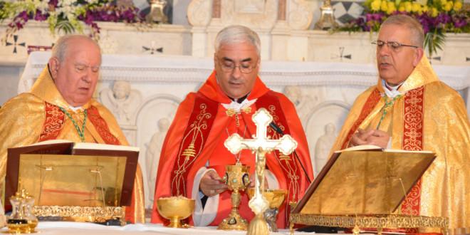 عبد الساتر مترئسا قداس الميلاد في زغرتا: كثيرون ممن حولنا بحاجة لنا نحن المسيحيين ليعرفوا كم ان الله يحبهم