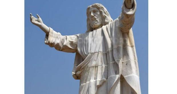 إزاحة الستار عن أكبر تمثال للمسيح في أفريقيا