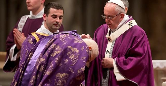 البابا فرنسيس يحتفل برتبة تبريك الرماد ويفتتح زمن الصوم المبارك