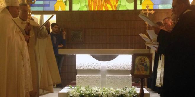 نصار ترأس قداسا لتكريس مذبح كنيسة مار يوسف في الدامور: منذ 10 سنوات وأنا صامت حتى أطفئ نار الذين يتعدون علي وشرهم