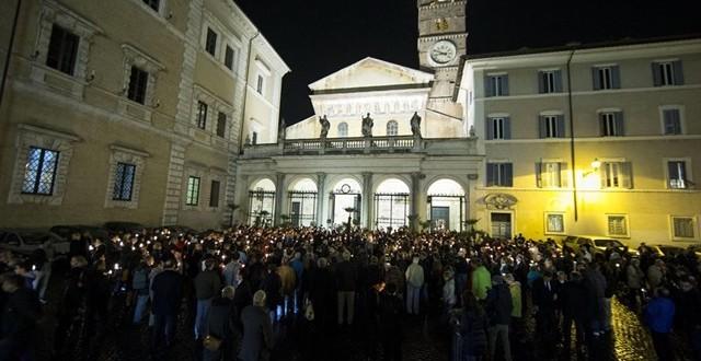 سانت إيجيديو تنظم أمسية صلاة على نية الشهداء المسيحيين الجدد