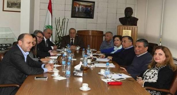 قزي لانشاء صندوق دعم للمؤسسات الاعلامية ونقابة المحررين لخطة عمل لانقاذ الصحافة الورقية