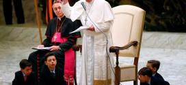 في مقابلته العامة مع المؤمنين البابا فرنسيس يتحدث عن عبادة الأوثان