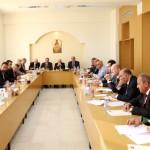 الروم الكاثوليك: لمعالجة ملف أمن الدولة واحترام الأنظمة