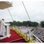 البابا فرنسيس يترأس القداس الإلهي في في مزار ياسنا غورا