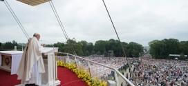 البابا يتلو صلاة التبشير الملائكي ويطلق نداء جديدا من أجل السلام في فنزويلا