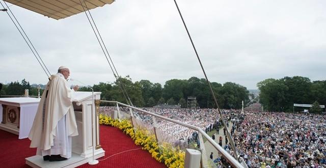 كلمة البابا فرنسيس في افتتاح أعمال الجمعيّة العامة العادية الخامسة عشرة لسينودس الأساقفة