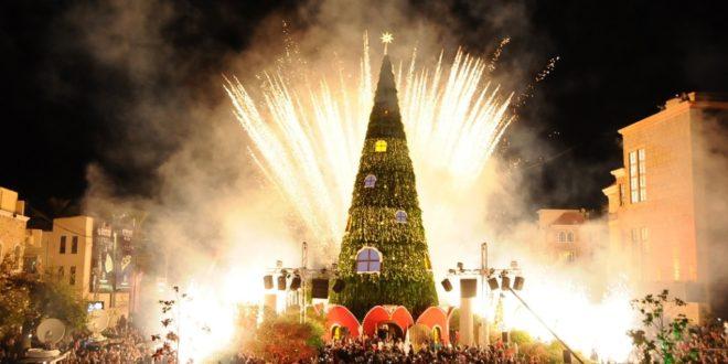 إضاءة شجرة الميلاد وزينة العيد في جبيل وكلمات أكدت أن المدينة ستبقى مثالا للعيش المشترك