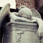 ملاك الحزن