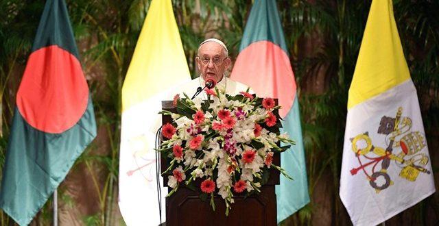 البابا فرنسيس يبدأ زيارته الرسولية إلى بنغلاديش