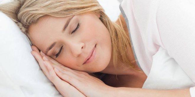 لمَ يحتاج البعض لساعات نوم أكثر؟