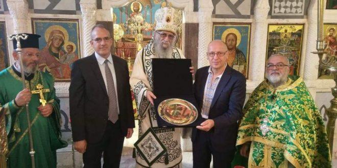 سفير اوكرانيا ووفد من الجالية شاركوا في قداس ترأسه كرياكوس في كفرحزير
