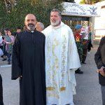 رحلة حج من رعايا لبنان الى مرجعيون مع تمثال لمريم العذراء