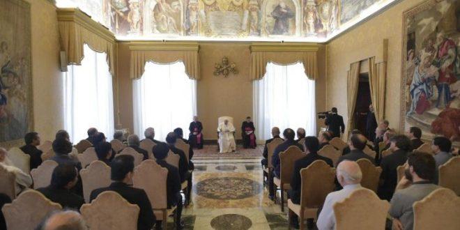البابا فرنسيس يلتقي المشاركين في المجمع العام لرهبنة المرسلين السكالابريان
