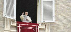 في كلمته قبل التبشير الملائكي البابا يتحدث عن قيامة الموتى