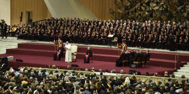 البابا فرنسيس يستقبل المشاركين في اللقاء الدولي الثالث للجوقات