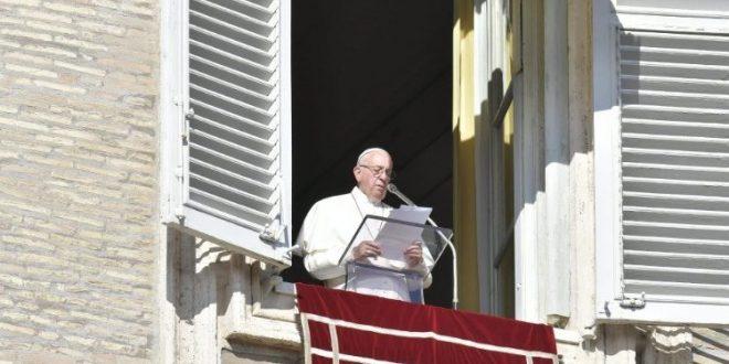 البابا يبتهل من الله عطية السلام لجمهورية أفريقيا الوسطى