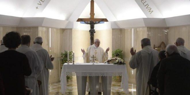 البابا فرنسيس: لتكن الكنائس بيتًا لله ولا أسواقًا تسيطر عليها روح العالم