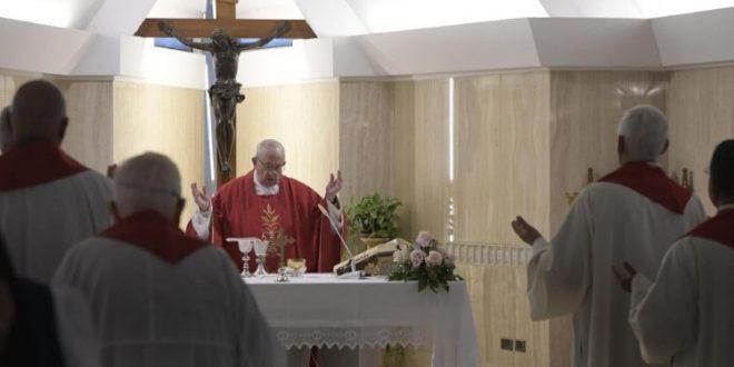 البابا فرنسيس: الإفخارستيا هي الترياق ضدّ اللامبالاة والكبرياء والجشع