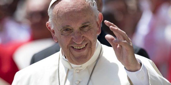 """البابا فرنسيس يستقبل المشاركين في ندوة تنظمها في روما مؤسسة """"نظامي كنجوي"""""""