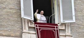 في كلمته قبل التبشير الملائكي البابا يتحدث عن أهمية التواضع والسخاء