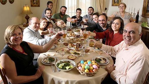 الفيلم اللبناني غداء العيد للمخرج لوسيان بو رجيلي شارك في فعاليات مهرجان القاهرة السينمائي الدولي