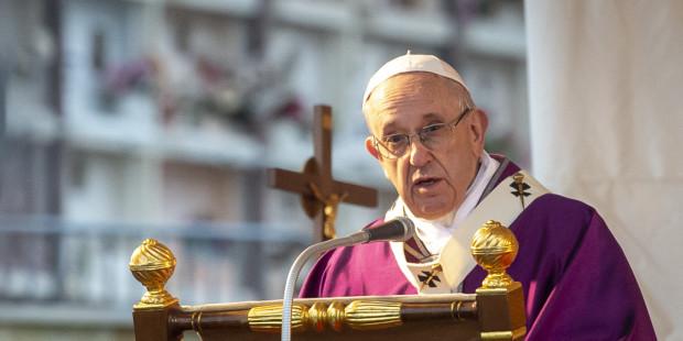 البابا فرنسيس: المسيح حي ويعمل بيننا ويقودنا جميعًا الى ملء الحياة