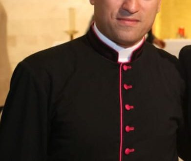 الفاتيكان يشهد على السيامة الأسقفية للبناني القسيس