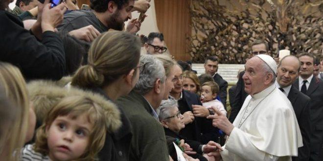 """البابا يلتقي أفراد جماعة """"عمانوئيل"""" في الذكرى الأربعين لتأسيسها"""