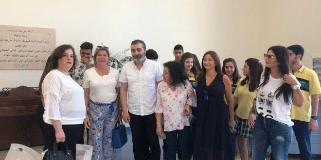 تلامذة المعهد الانطوني بعبدا والفنان شلق زاروا قسم الاطفال مرضى السرطان في الجعيتاوي