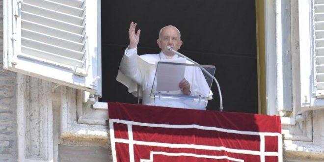 البابا فرنسيس: الإيمان الحقيقي يفتح قلوبنا على القريب ويدفعنا نحو الشركة الملموسة مع الإخوة