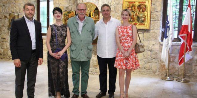 افتتاح معرض الأيقونات للفنانة الأوكرانية تاتيانا جونير في اهدنافتتاح معرض الأيقونات للفنانة الأوكرانية تاتيانا جونير في اهدن