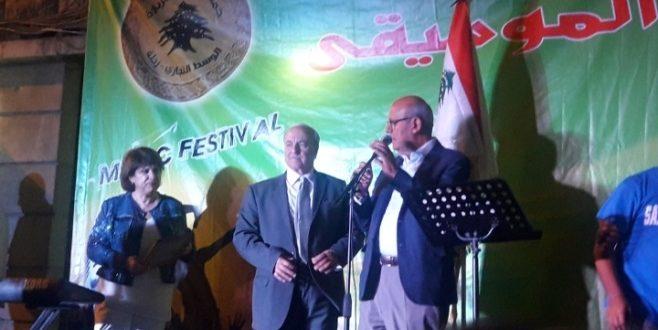 شارع البربارة في زحلة احتضن مهرجان الموسيقى ومعرضا للسيارات القديمة والمنتوجات التقليدية
